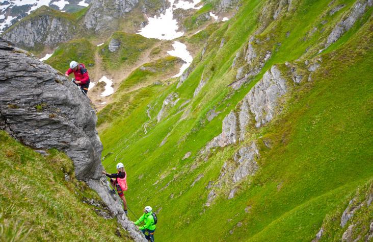 Klettersteigset Leihen : Klettersteig ausrüstung leihen gastein moments