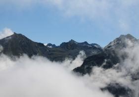 Ausblick zwischen Graukogel und Feuersang