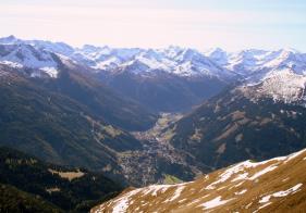 Blick zurück auf Bad Gastein - bereits am Rücken vom Gamskarkogel