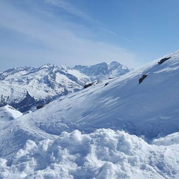 #ski #skiing #snow #winter #skiamade #sportgastein #beautifulweather #austriaisbeautiful #austria #niceview #iloveit #gooutside #outsideisbetter #outsideisfree #outsidelife