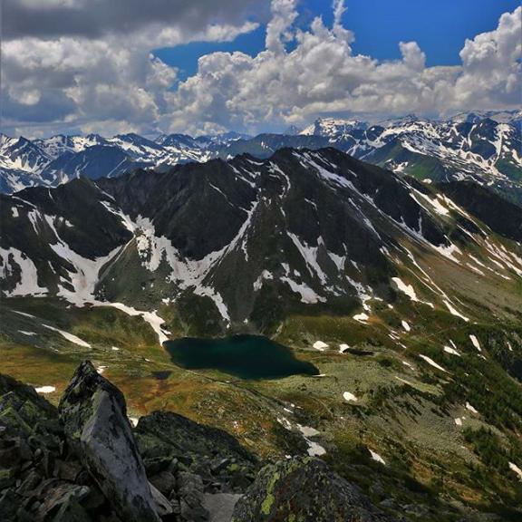 Another summit view from Graukogel. #hiking #graukogel  #gasteinertal #fluffywhiteclouds #austria #canon6d #mountains