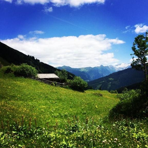 One of the most beautiful places in #gastein! ☀️❤️⛰ #visitgastein #gasteinmoments #childhoodmemories #kraftplatz #hometown #hiking #hikingday #mountainlove #havingagoodtime #withmom #homeiswhereyourheartis #homeiswherethemountainsare #weekendvibes #exploring #thankful #enjoyingnature #beautifulnature #sun #enjoyinglifetothefullest #salzburgerland #alps #austria #visitaustria #sports #happyme