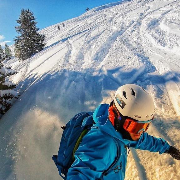❄️🗻🇦🇹day 1.. Amazing day 1#austria#skiing#snowboarding#pow#sunnyday#østerriket #skiferie #mountain#alpene#gopro7 #photooftheday #badhofgastein #badgastien#libtech #libtechsnowboards #arcteryx #oakley#sweetprotection #pudder#adidassnowboarding#bluebird# schlossalm#angertal