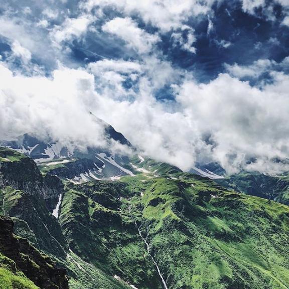 2600 metres up. Route to the top blocked by snow 😫 — #badgastein #vscocam #vsco #haushirt #alps #austria #austrianalps #gastein #sportgastein