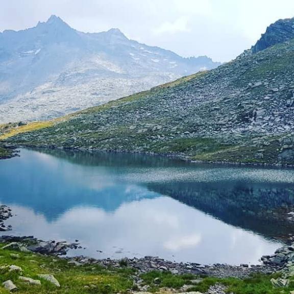 Wandern von See zu See  Kitschig schön!! 😍 #nofilterneeded #graukogel #badgastein #nationalparkhohetauern #alps #mountainlove #lakelife #sosche #austria