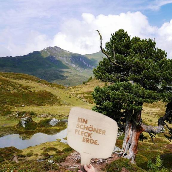 unterwegs am Salzburger Almenweg in Gastein - Was für EIN SCHÖNER FLECK ERDE! . . . . . . #einschoenerfleckerde #einschönerfleckerde #austria #salzburgerland #gastein #schlossalm #salzburgeralmenweg #pongau #bergsteigen #berg #bergtour #wandern #hiking #igersaustria #igerssalzburg #mountainlifestyle #feelthealps #alpen  #alps #wanderlust #outdoor #outdoors #modernoutdoors #lovemountains #mountains #mountainlife #landscape #nature #naturelovers #landscape #landschaft