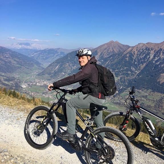 2246m #mountainbiking #ebike #stubnerkogel #austria #alps #vacation #travel #travelgram #tourism #instagood #instatravel #photooftheday
