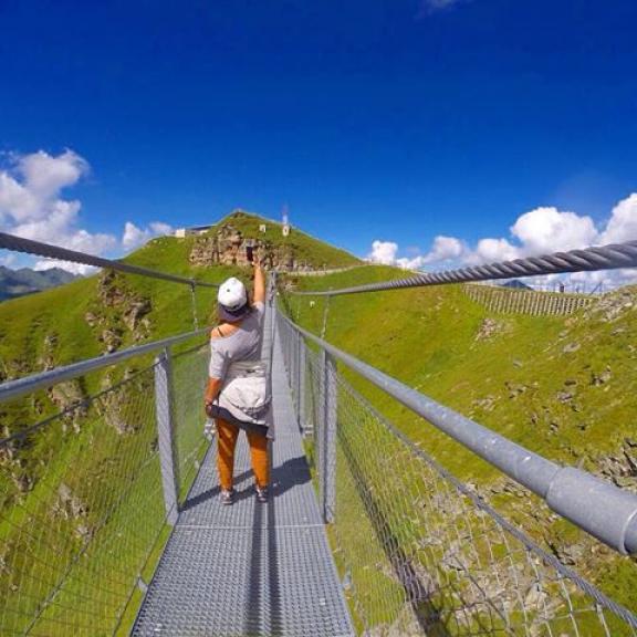 Suspended bridge. #almorama #suspendedbridge #outdoors