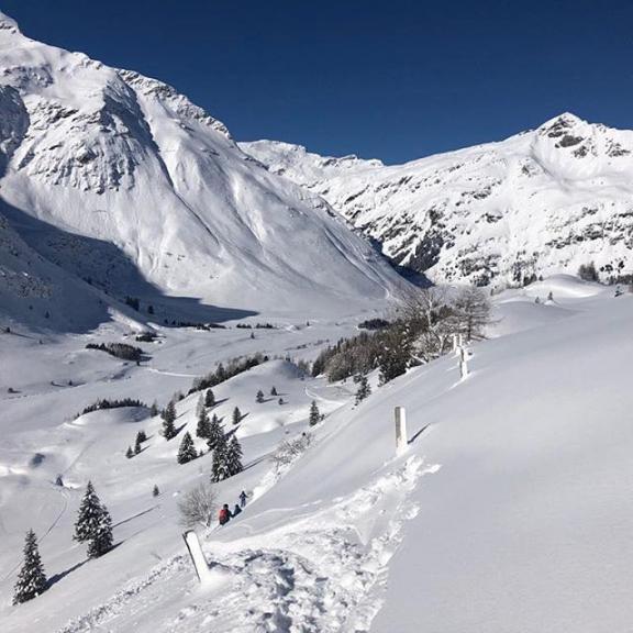 Und weils so schön war, hier noch ein Bild aus #sportgastein von unserer #freeride Gruppe! #skischule #skilehrer #offpiste #dayslikethis @skischulebadhofgastein