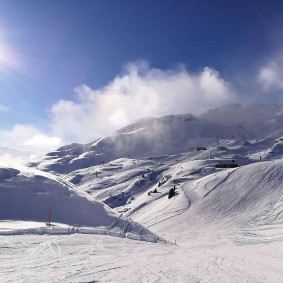 It's the season ❄ perfect conditions! #gastein #schlossalm #snow