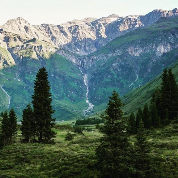 Power of nature! ⠀ Sportgastein - we love it!⠀ ⠀ ⠀ #holynature #sportgastein #visitbadgastein #badgastein #austria
