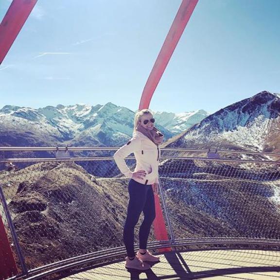 The best view comes after the hardest climb 😉#Salzburg #Austria #bestview #bergluft #weekend #badgastein #2200meters #stubnerkogel #igers #instagood  #enjoythelittlethings #sporty