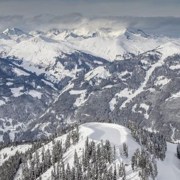Blick zum Spiegelsee vom Fulseck in Dorfgastein #bergbahnendorfgastein #fulseck #visitgastein #visitaustria #365austria #beautifulaustria #igersaustria #ig_austria #dieschönstenorteösterreichs #picoftheday #photooftheday #skiing #instagood #instapicture #instapic #fotoalbum_salzburg #meinbezirk #salzburgerland #likeforlikes #like4likes #mountainorama #bma #bergpic #loves_mountains #loves_austria #austria