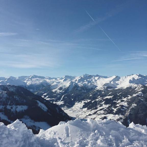 winterwonderland 🎿❄️ #skifoan #gastein #gasteinermoments #fulseck #winter #ski #mountains #snow #sun #skiday