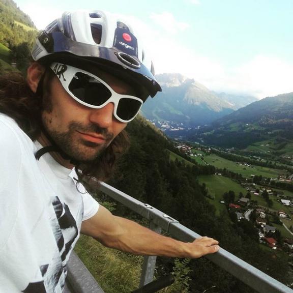 Check out new esay trails in EnduroValley Gastein, day comes to an end #gastein #rideyourway #enduro #mtbgastein
