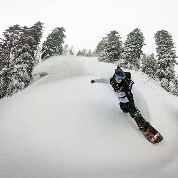 @arborcollective @arborsnowboards @arborsnowboardseurope @fluxbindings @vonzipper @vonzippereurope @floasports @mantisunited #hookit #arbor #arborcollective #arborsnowboards #arborsnowboardseurope #fluxbindings #vonzipper #vonzippereurope #floa #visitgastein #gastein #badhofgastein #schlossalm #mantisunited #salzburgerland #austria #snowboarding #snowboard #powder #freeride #freeriding #pow #powpow #doityourself #goprofusion #feeltheflow