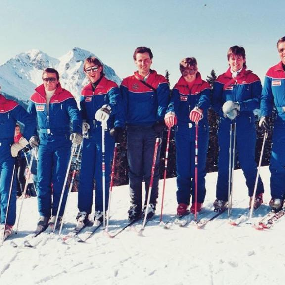 35 years ago in the founding year of our ski school in Dorfgastein . . #skischuledorfgastein #dorfgasteinerbergbahnen #visitgastein #gastein #skigastein #visitbadgastein #dorfgastein #badhofgastein #gasteinertal #skiamade #sbssv #badgastein #gasteinerbergbahnen #magicmountain #sportgastein #gasteinmoments #anniversary #jubiläum #proud #tradition #traditional #family #familybusiness #skiing #snow #snowboarding #mountains #skischool