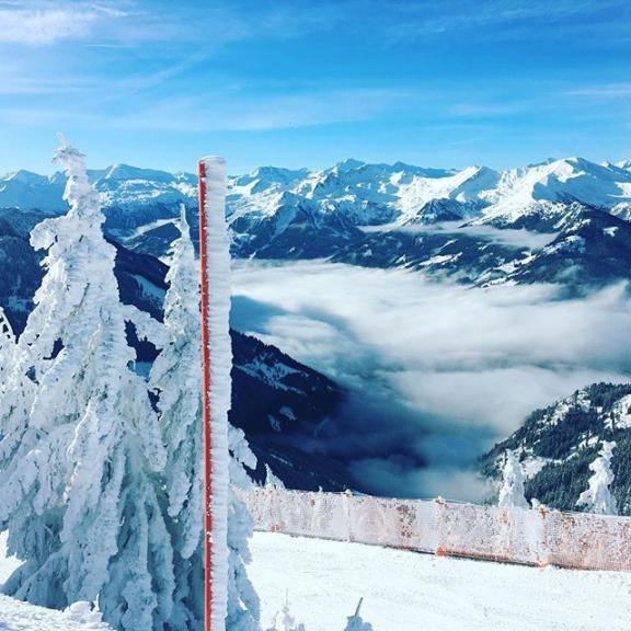 #family #snow #snowwhite #snowandfun #ski #amade #skiamade #dorfgastein #fulseck