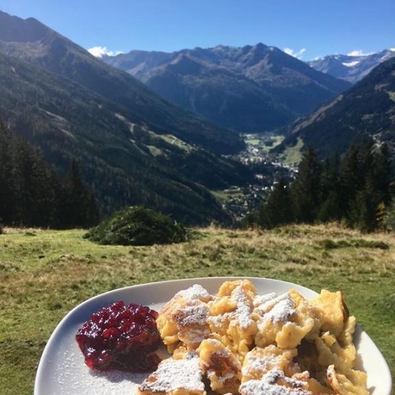 Best Kaiserschmarrn in the valley 😍😍😍 #gasteinertal #bestkaiserschmarrnever #hiking #herbstwandern #almen #poserhöhe #visit #alpenappartements #wanderlust #sunnytuesday #sunnyweek