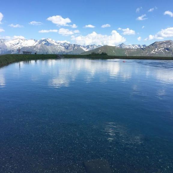 beautiful view with my best 💚😊#beautiful #hiking #lake #schlossalm #gastein #gasteinertal #evafeldi #photography #photographer #evafeldi #allesfürdielik #photos #photographie #bestofaustria #austria #canon_official #austria #travel