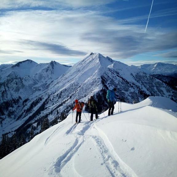#skitouring #gasteinertal #alpineguidesgastein . . .  #visitgastein #gasteinvalley #gasteinmoments #hoamat #skimo #skinfitshopsalzburg #blizzardskis