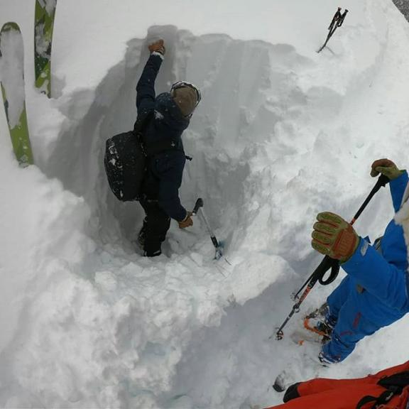 ❄❄ @gasteinvalley #besaveoutthere #alpineguidesgastein . . #avalanchetraining #avalanchecourse #schneeprofil #gasteinmoments #gasteinertal #visitgastein #gasteinertal #salzburgerland #vistaustria #blizzardskis #skinfitshopsalzburg