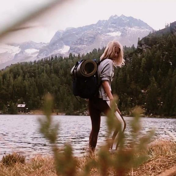 Stunning hike today. Went to an alpine lake on 1832m. It was a great experience. #exploretheworld #hikinggirl #salzburgerland #böckstein #gastein #badgastein #gasteinmoments #mountainlovers #reedsee