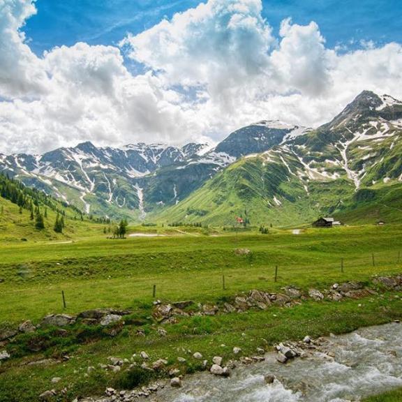 Nimm dir Zeit für die schönen Seiten des Lebens und genieße jeden Tag ☀️ || 📍 @sportgastein ist immer eine Tour wert.  #eelkofeisephotographie #visitgastein #nature #holiday #beautiful #milliondollarvisuals #wanderlust #naturpur #nikon #landscape #blogger #alps #mountains #relax #enjoylife #badgastein #sportgastein #austria #beautifuldestinations