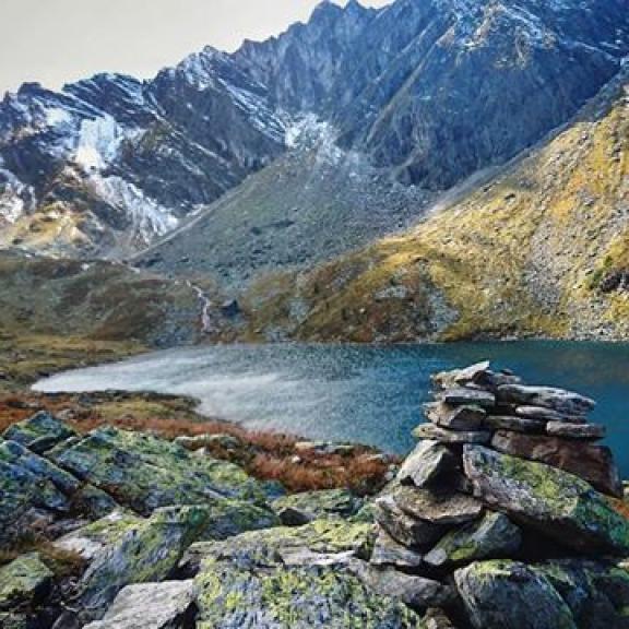 A great hiking memory from this week. 💙 #graukogel #lake #badgastein #hiking #outdoorlife #mountains #austria #österreich #alpresor #autumn #nature #thankful