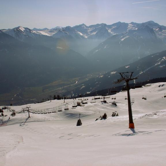 Im Tal grüßt der Frühling, aber am Berg regiert noch der Winter.