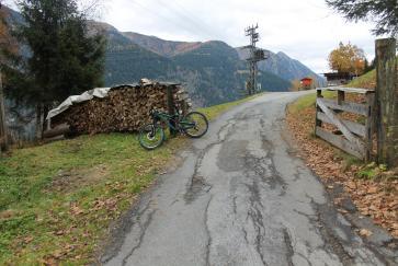 Die Einfahrt zum Bertahof Trail